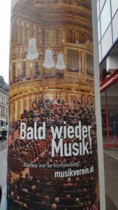 Bald wieder die Musik écrit sur une colonne viennoise blog Scribendo